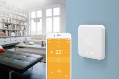 Click to enlarge image Viessmann-with-tado_Smart-Thermostat_lifestyle-living-room_FR.jpg