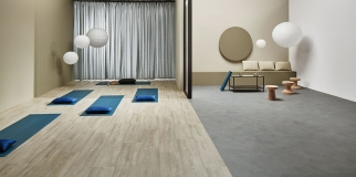 Click to enlarge image 01-FORBO-FLOORING_Eternal-wood-10322_white-chestnut-Eternal-material-12752-grey-cement_decor.jpg